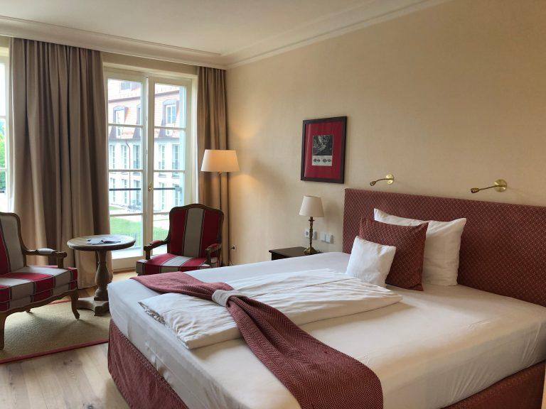 Die Zimmer des Hotel Schloss Leitheim sind bequem...